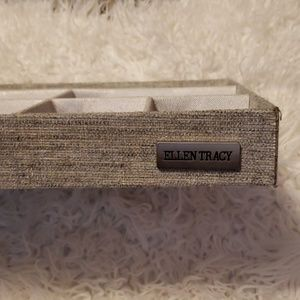 Ellen Tracy Jewelry - Jewelry Display Box mirrored Grey